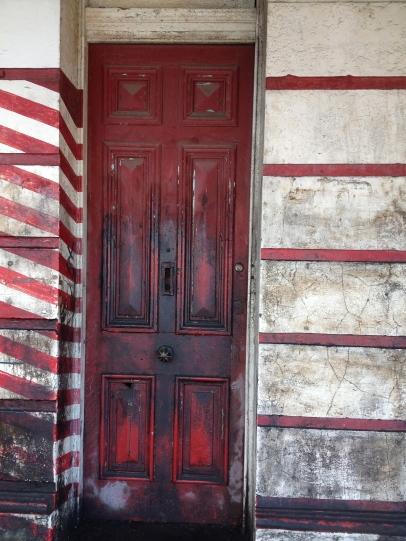 i like red doors
